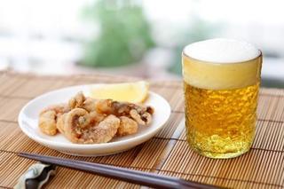 お酒飲むと頭が痛い・・アルコールが原因の脱水症状かも?飲酒と頭痛の関係とは?