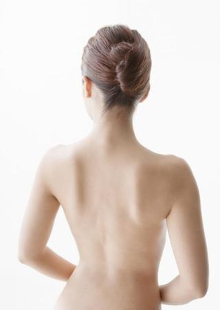 ヘルペスの症状とは?腕や足にもヘルペスの症状はでるの?