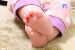 正しい坐薬(座薬)の使用方法をご存知ですか?乳幼児・小児に坐薬を入れる方法や注意点、坐薬のメリットなど