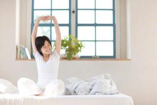 腰痛の寝方で一番良い方法は?腰痛を和らげる寝方のポイントと注意点を知ろう