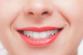 夜だけじゃない!?昼間もしている「歯ぎしり」や「食いしばり」の原因と対策・治療について!