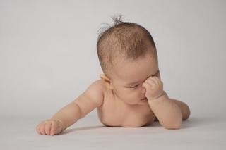 赤ちゃん・子どもの逆さまつげの対処法について