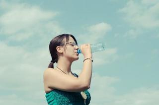 冬も水分補給は大切!水が体にもたらす効果と正しい摂取方法・飲むタイミングについて