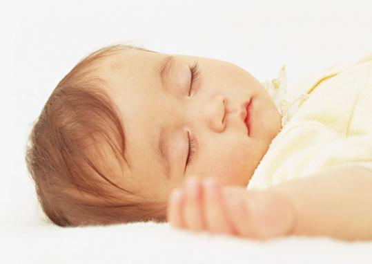 赤ちゃんの首にしこりができる筋性斜頸:症状と原因・治療法
