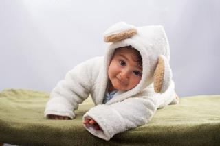 赤ちゃんのあせもは冬も注意!「あせも」から「あせものより」にさせないための予防とケアを知ろう