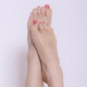 ボロボロ剥がれる前に!爪白癬で足の爪が白や黄色になる?!