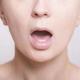 顎から痛みや謎の音が?現代人の病「顎関節症」の原因・症状と予防方法について