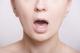 舌炎は何科を受診すればいい?原因別の治療法についても紹介