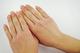 しもやけの治し方|原因・症状・対処法を解説
