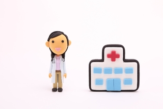 秋冬の咳は要注意!RSウイルス感染症の症状が出る9割以上が、3歳以下の幼児・赤ちゃんです。