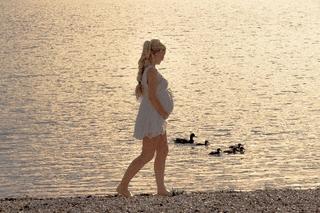 妊娠超初期の腹痛と生理痛の違いとは?症状・原因を解説