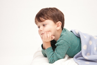 アレルギー性紫斑病で子どもの足に赤い斑点が?!風邪を引いたあとはアレルギー性紫斑病にご用心