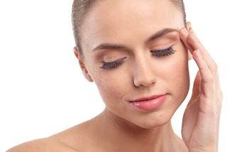 【画像】鼻やおでこが かゆい 顔の湿疹!原因はカビ?!顔の皮膚炎「脂漏性皮膚炎」とは?原因と対処法について