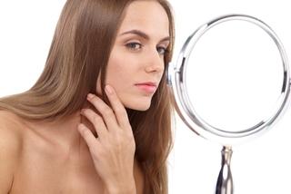 口周りのニキビ(あご、鼻の下)の原因と治すための対策11選