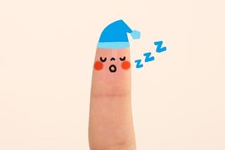 子どもの睡眠時間が問題に!眠れない原因と対処法、不眠が与える影響について