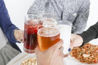 疲れてるのに眠れない原因は「お酒」?!不眠とアルコールの関係とは?上手な飲み方を知って不眠症を改善!