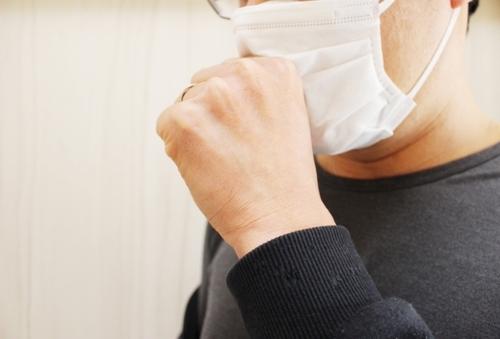インフルエンザで鼻水・喉の痛み・咳!呼吸器の症状と対処法