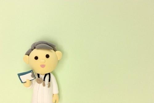 潰瘍性大腸炎はどんな病気?症状・原因や食事について