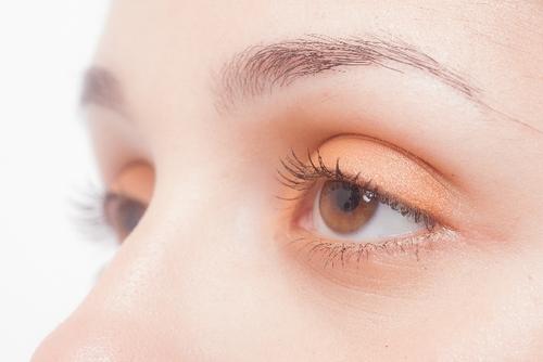 アレルギー性結膜炎に効く市販目薬12選:コンタクトでも使える目薬も解説
