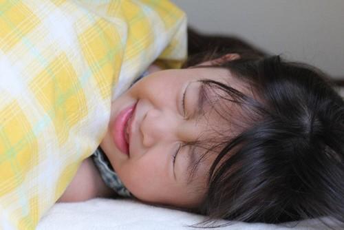 インフルエンザで眠れない!高熱・頭痛・腰痛・鼻水別の対処法