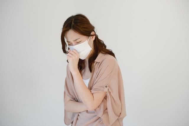 花粉症の症状に関節痛はある?関節が痛む原因・風邪との見分け方を解説