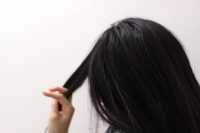 抜け毛が急に増えた原因は?身近にできる抜け毛対策6選
