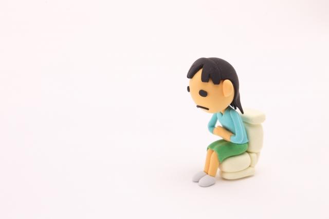 便秘で吐き気がするときはどうする?胃痛や気持ち悪さ・ガス・げっぷを伴う便秘の対処法