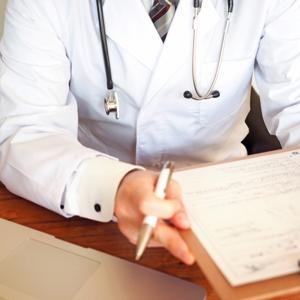 口内炎はレーザー治療で早く治す!効果・診療科・費用について