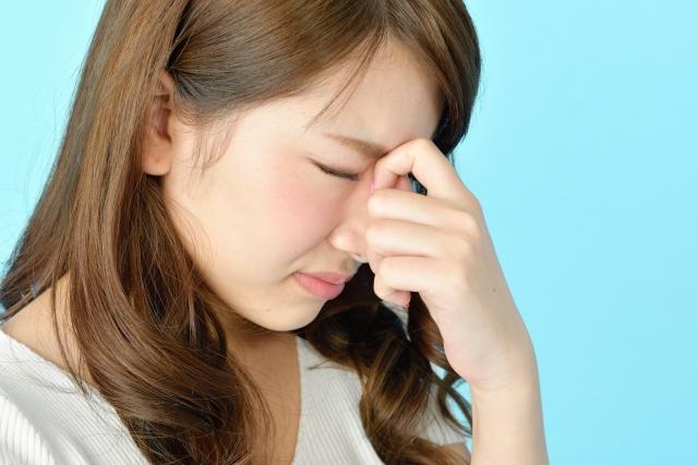 目の充血の原因と治し方を解説!充血が治らないのはなぜ?